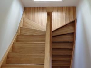 Trepp I ja II korruse vahel